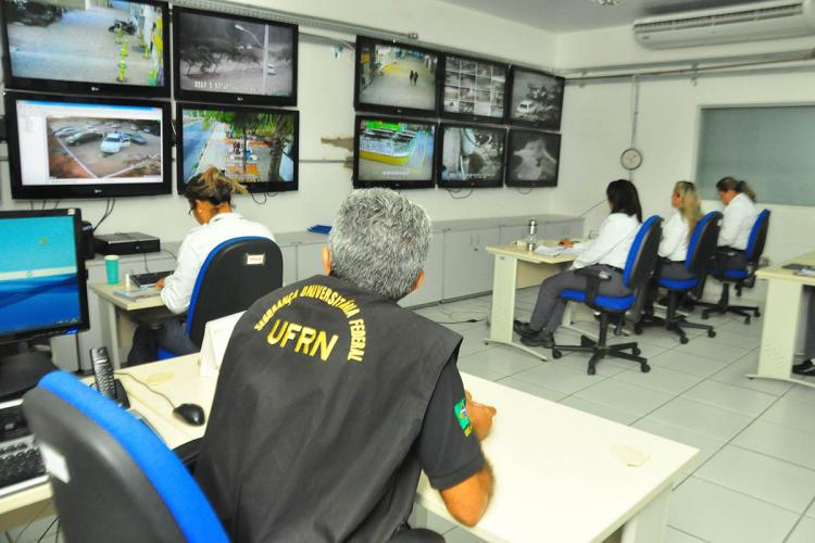 security employees working at UFRN
